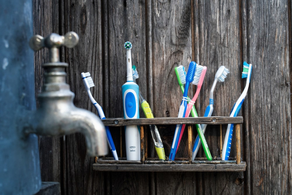 Electric Toothbrushes Vs Normal Toothbrushes – Which Is Better and Why?